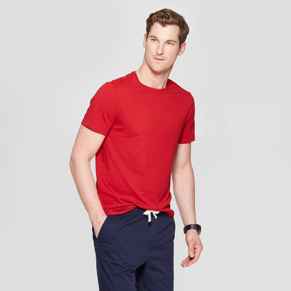 Men's Standard Fit Short Sleeve Lyndale Crew T-Shirt - Goodfellow & Co Red Velvet S