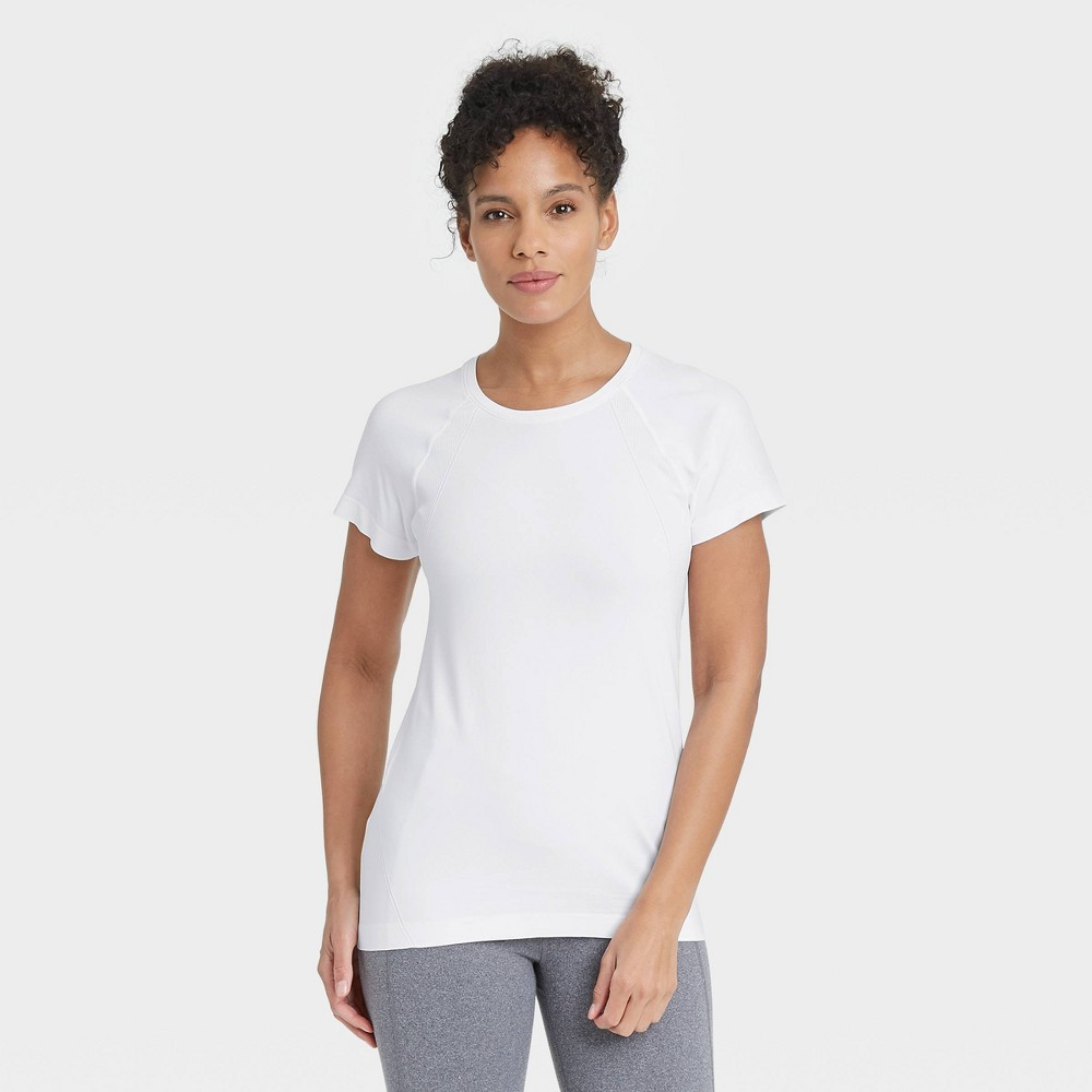 Women 39 S Core Seamless Short Sleeve T Shirt All In Motion 8482 White Xl