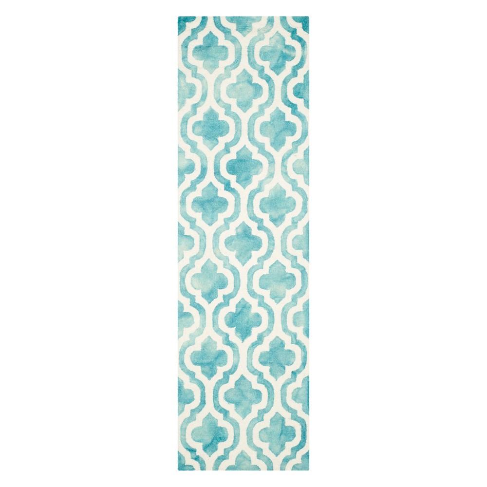 2'3X10' Quatrefoil Design Runner Turquoise/Ivory - Safavieh