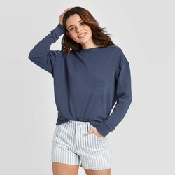 Women's Crewneck Sweatshirt - Universal Thread™