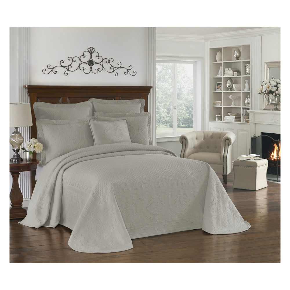 Image of Gray King Charles Matelasse Bedspread (King) - Historic Charleston