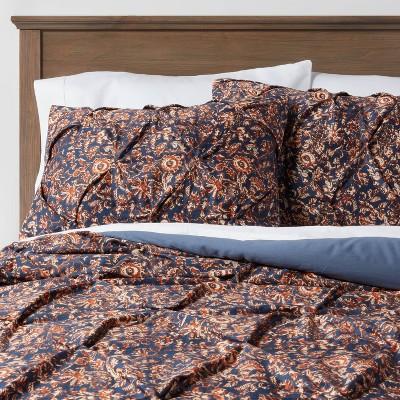 Full/Queen Pinch Pleat Comforter & Sham Set Navy Floral - Threshold™
