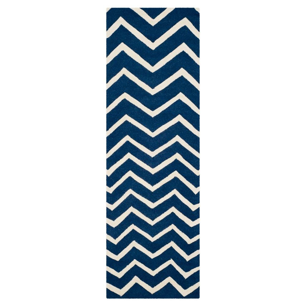 2'6X6' Chevron Runner Navy (Blue) - Safavieh