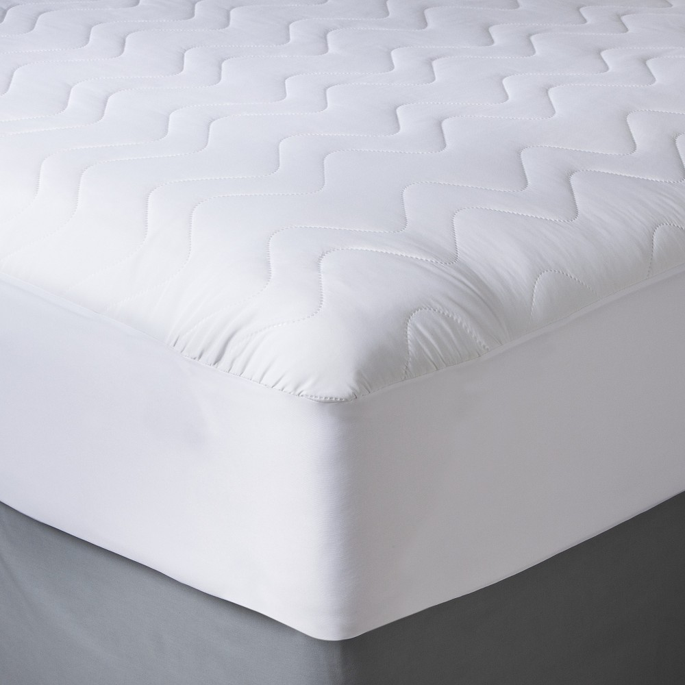 Waterproof Mattress Pad (Full) - Room Essentials