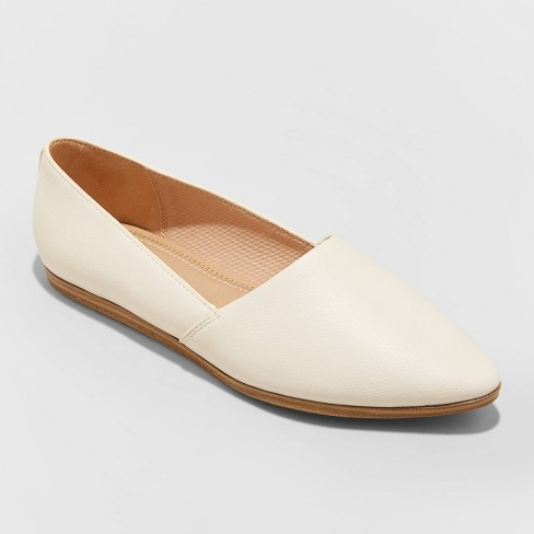 Women's Berit Pointed Toe Loafers - Universal Thread™ - image 1 of 3