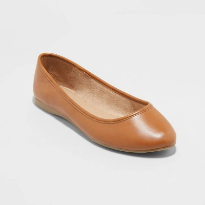 Women's Everly Round Toe Ballet Flats - Universal Thread™
