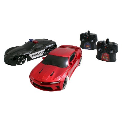 HyperChargers 1:16 Heat Chase Twin Pack - 2009 Corvette StingRay Concept-Police Car & 2016 Chevy Camaro SS