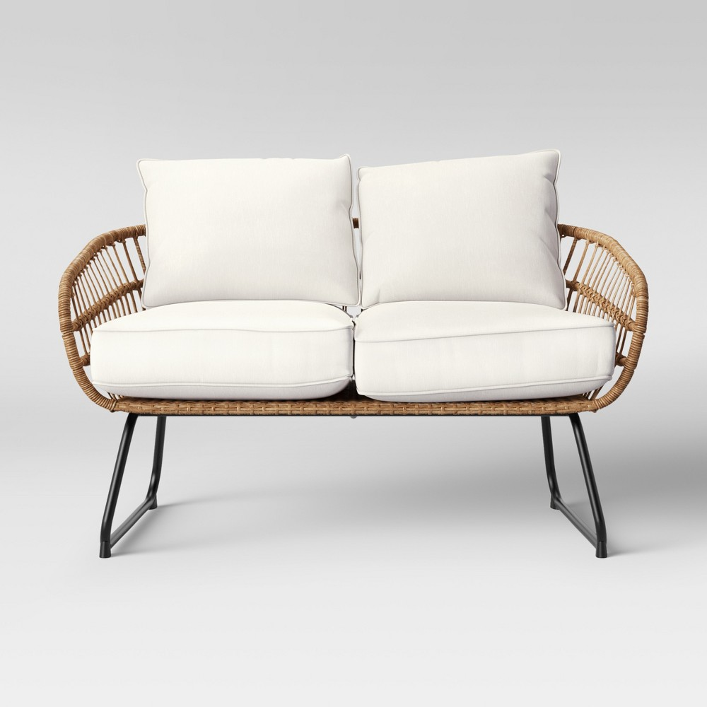 Tremendous Chic Outdoor Furniture In Time For Spring A Play On Chic Spiritservingveterans Wood Chair Design Ideas Spiritservingveteransorg