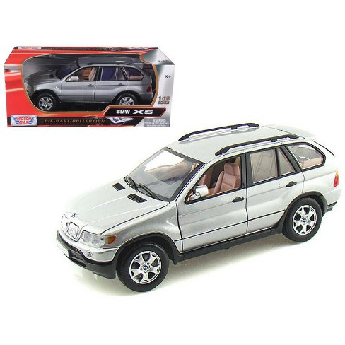BMW X5 Silver 1/18 Diecast Model Car by Motormax - image 1 of 1