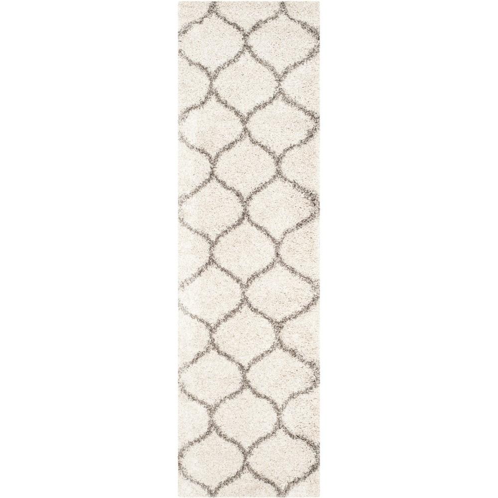 23X14 Quatrefoil Design Loomed Runner Ivory/Gray - Safavieh Reviews