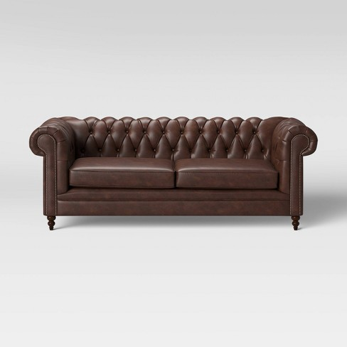 Medfield Chesterfield Sofa With Nailheads Threshold