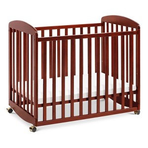 DaVinci Alpha Mini Rocking Crib - Cherry, Red