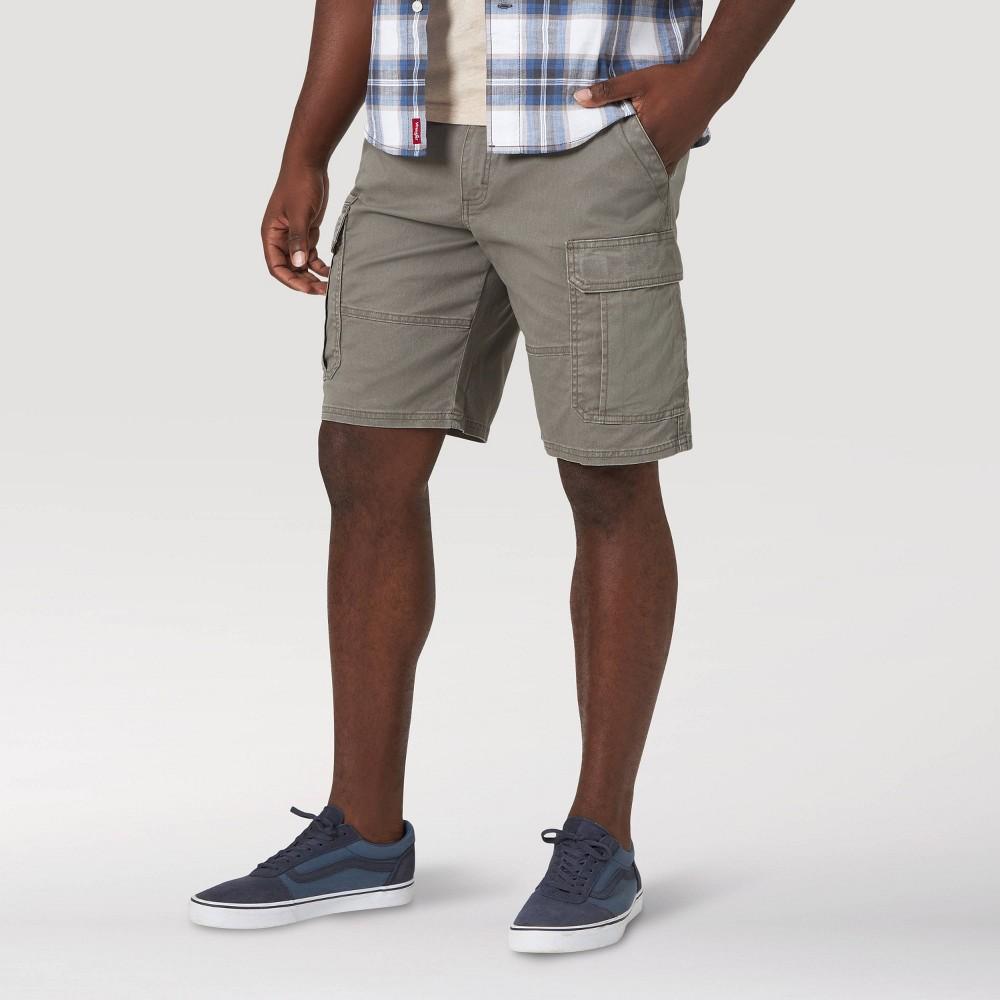 """Image of """"Wrangler Men's 10"""""""" Cargo Shorts - Dark Green 30, Men's"""""""