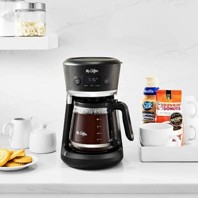 Coffee Maker with Automatic Drip Collection