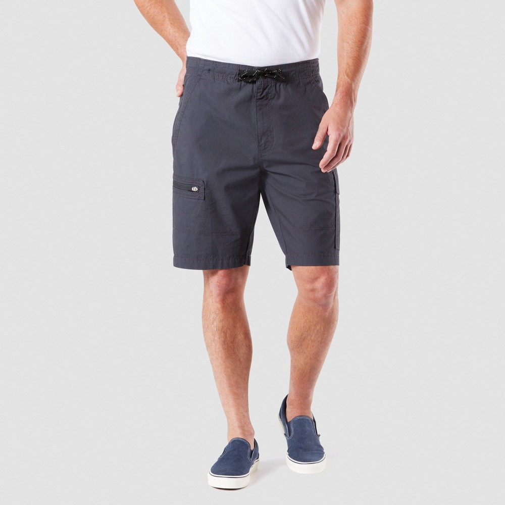 "Image of ""DENIZEN from Levi's 10.5"""" Relaxed Fit Cargo Shorts - Black 30, Men's"""