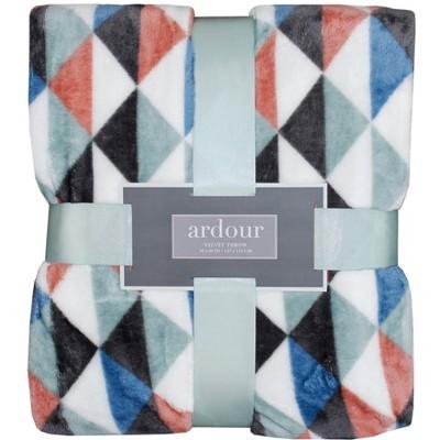 Textured Pattern Throw Blanket
