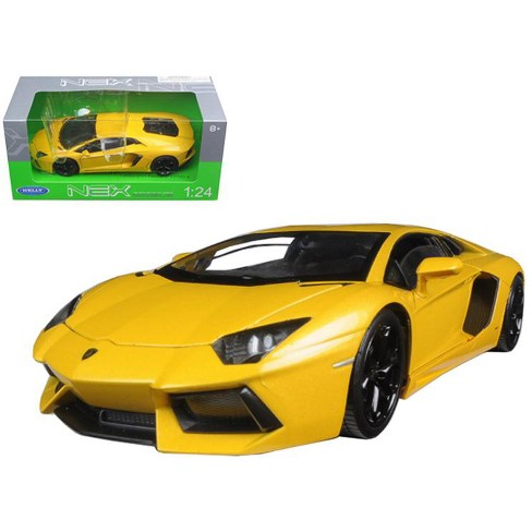 Lamborghini Aventador Lp700 4 Yellow 1 24 Diecast Model Car By Welly