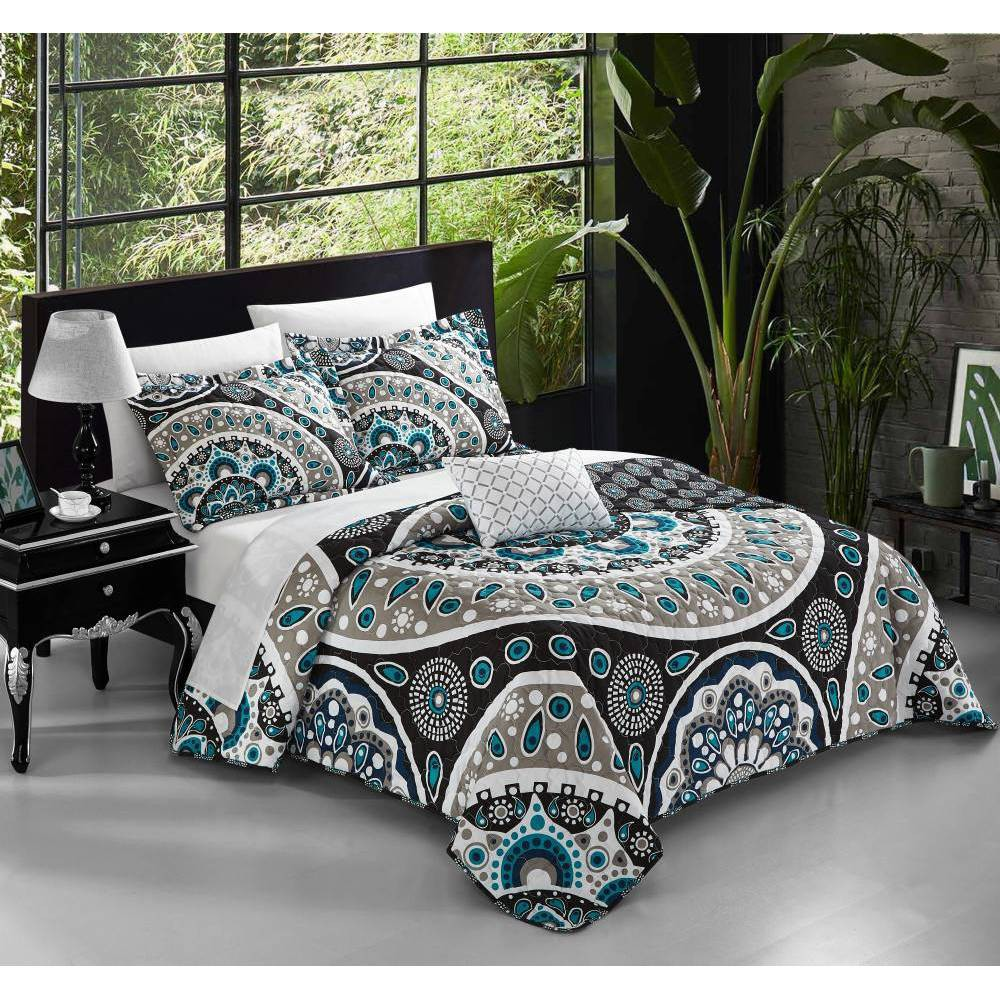 Chic Home Design King 4pc Andalusia Quilt & Sham Set Black