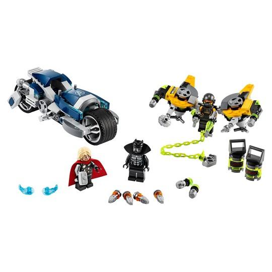 LEGO Marvel Avengers Speeder Bike Attack Black Panther and Thor set 76142 image number null
