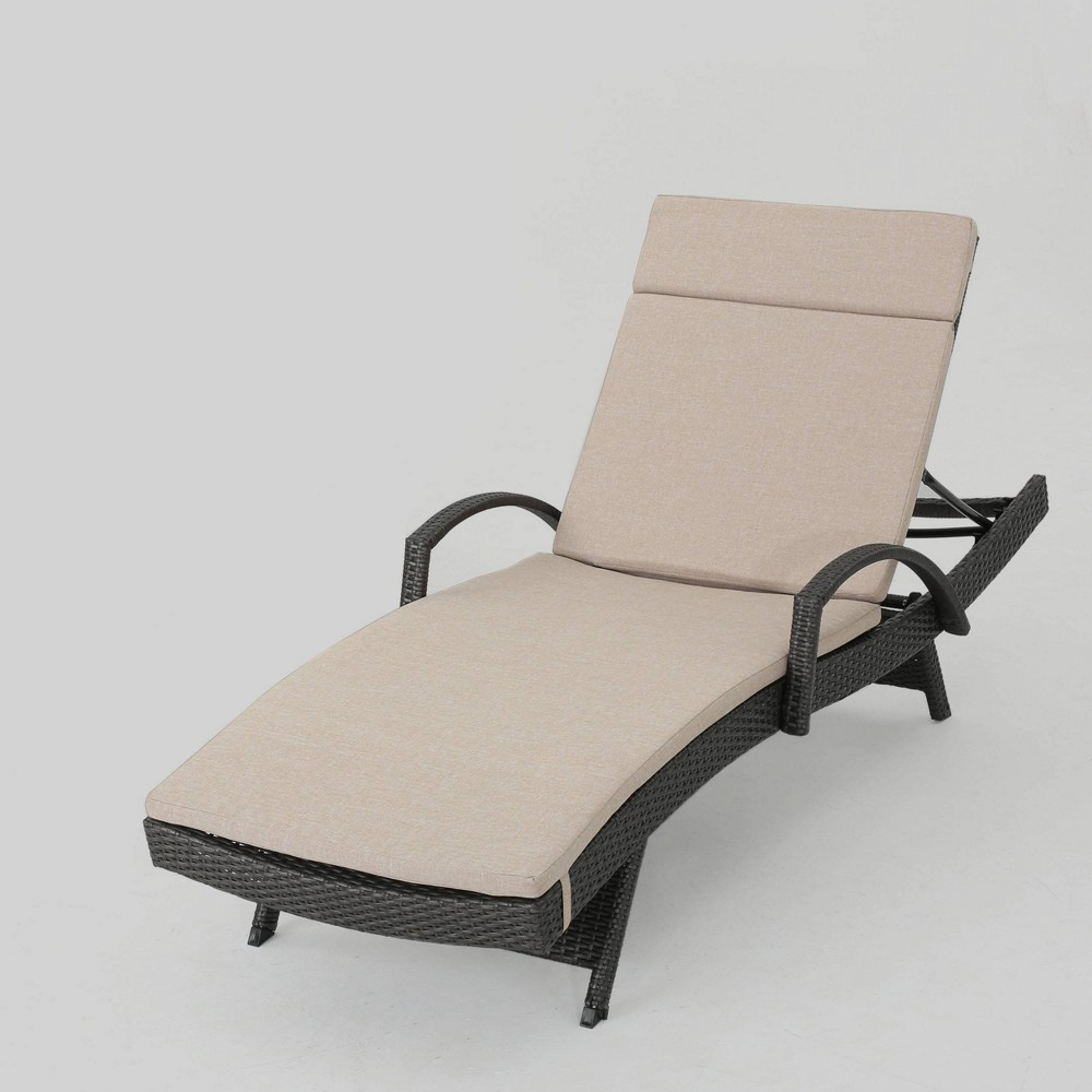 Salem Gray Wicker Adjustable Patio Chaise Lounge - Beige - Christopher Knight Home