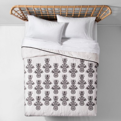 Black Mallorca Embroidered Ornament Quilt (Full/Queen)- Opalhouse™