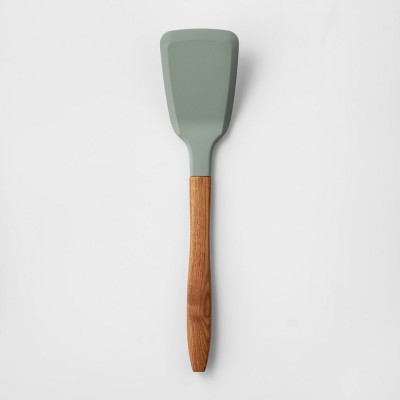 Cravings by Chrissy Teigen Silicone Head Turner with Wood Handle Green