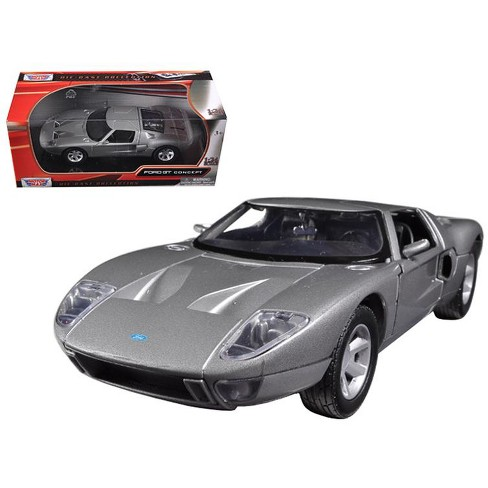 Ford GT Silver 1/24 Diecast Car Model by Motormax - image 1 of 1