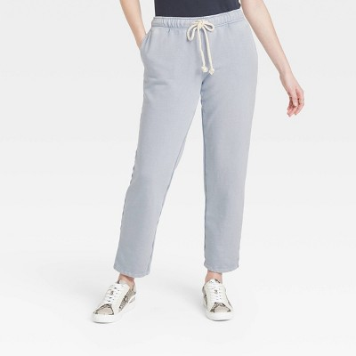 Women's Mid-Rise Fleece Jogger Pants - Universal Thread™