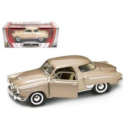1950 Studebaker Champion Golden Tan 1/18 Diecast Model Car by Road Signature