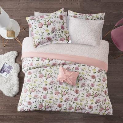 Liv Comforter and Sheet Set