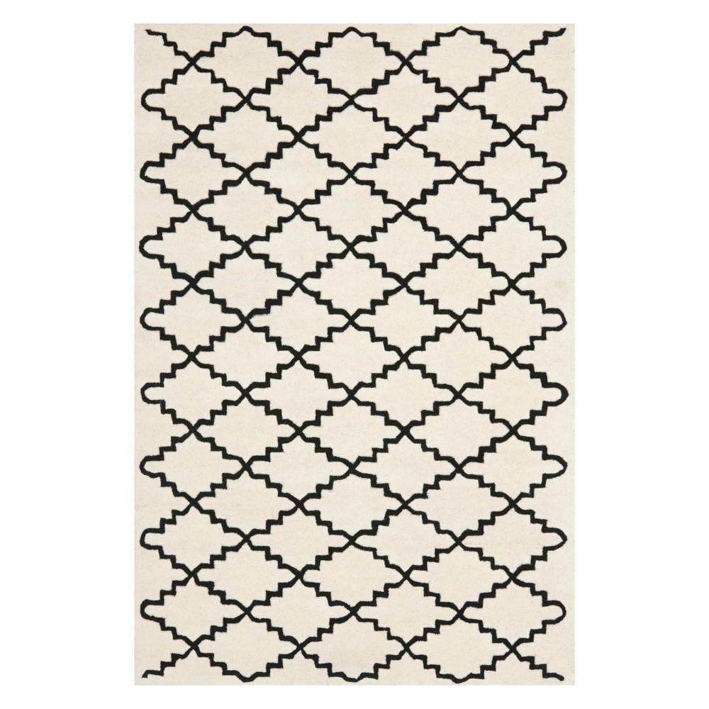 6'X9' Quatrefoil Design Tufted Area Rug Ivory/Black - Safavieh
