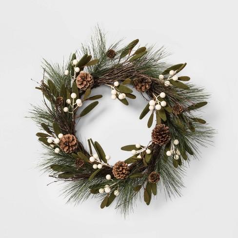 Christmas Leaves.18 Christmas Green Felt Leaves White Berries Pinecones Artificial Wreath Wondershop