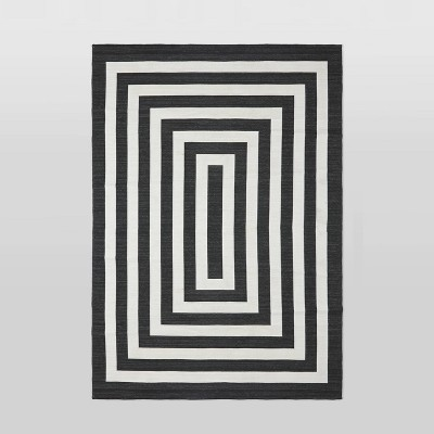 6'x9' Mitre Stripe Outdoor Rug Black - Project 62™