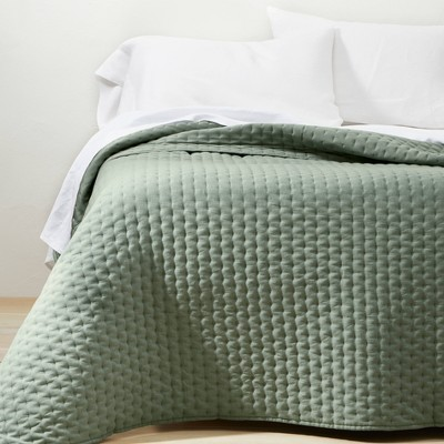 King Plus Cashmere Blend Quilt Sage Green - Casaluna™