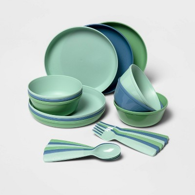 24pc Plastic Kids' Dinnerware Set - Pillowfort™