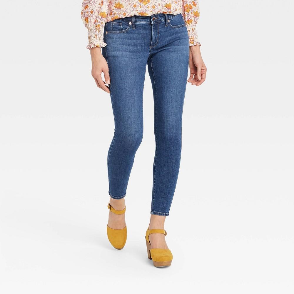Women 39 S Mid Rise Curvy Skinny Jeans Universal Thread 8482 Washed Indigo 4