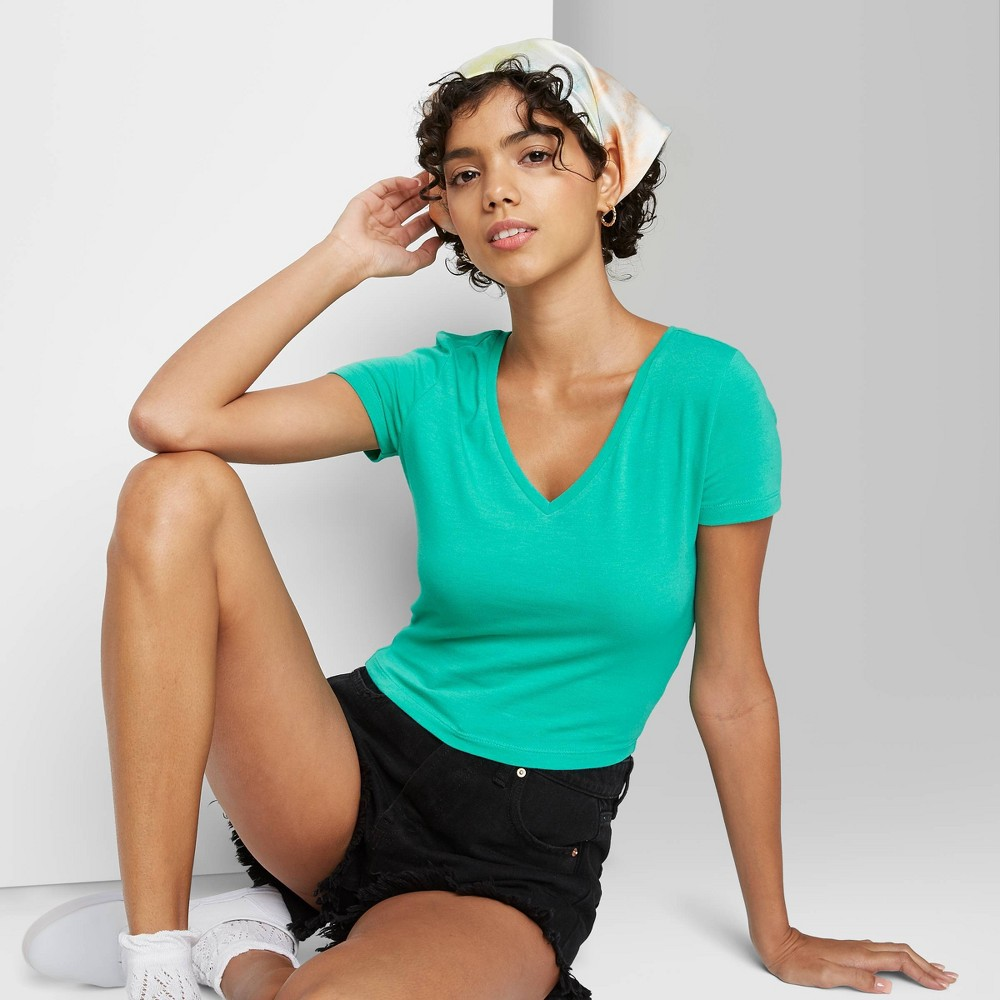 Women 39 S Short Sleeve V Neck Cropped T Shirt Wild Fable 8482 Green S
