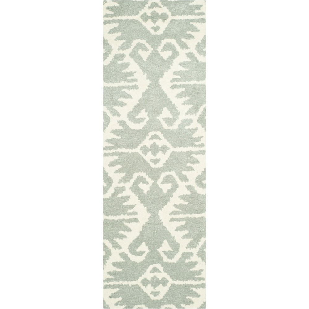 2'3X9' Tribal Design Tufted Runner Gray/Ivory - Safavieh