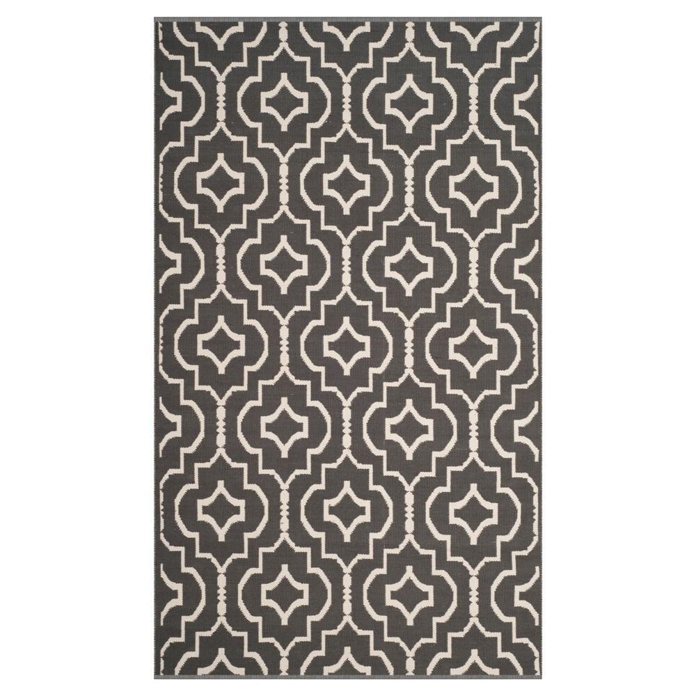 Dark Gray/Ivory Quatrefoil Design Woven Area Rug 5'X8' - Safavieh