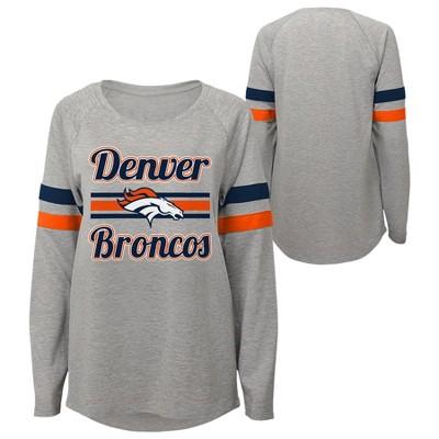 sale retailer 667a9 64f26 NFL Denver Broncos Juniors' Gray Crewneck Fleece Sweatshirt