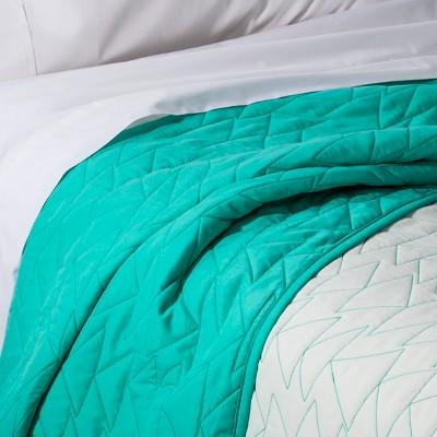 Twin Triangle Stitch Quilt Mint - Pillowfort™