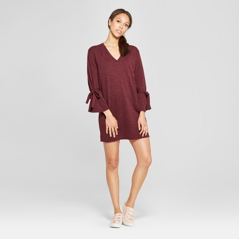 f5f6c931e0 Women s Long Sleeve Hacci Wrist Tie Shift Dress - Le Kate (Juniors )  Burgundy