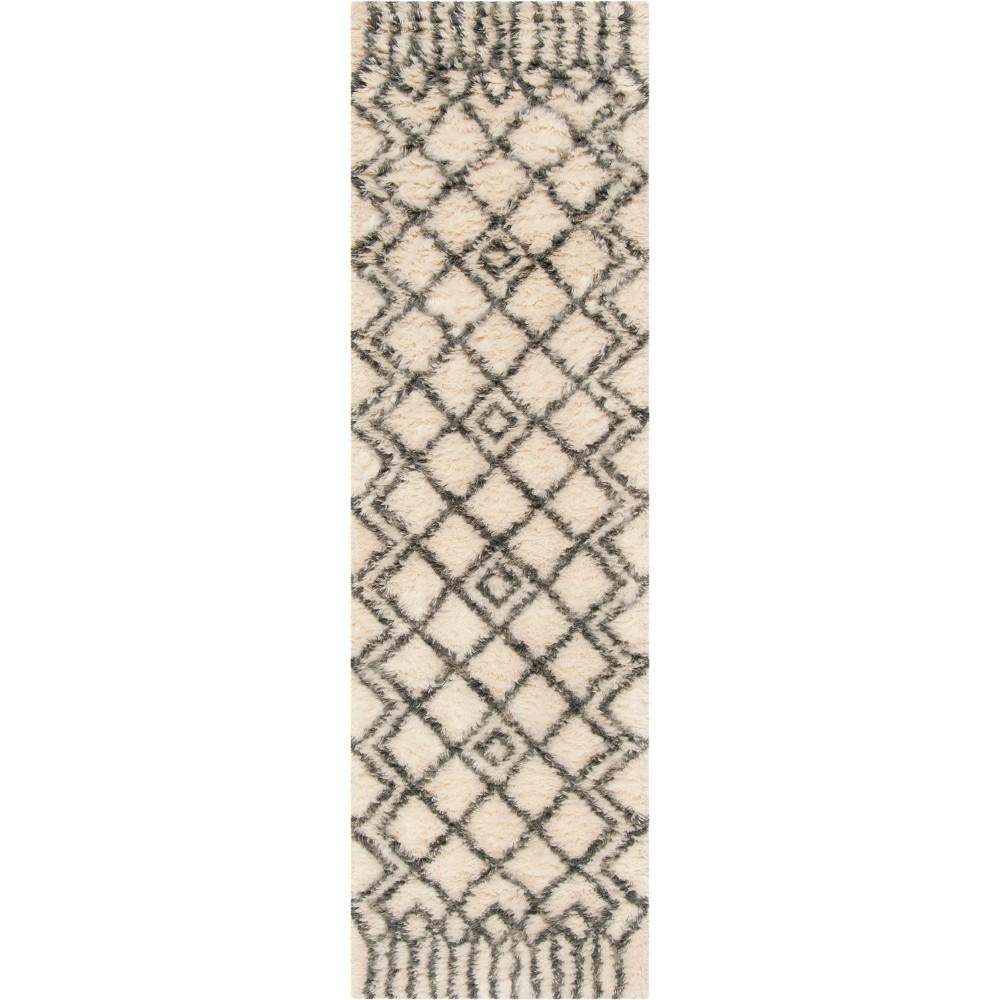 2'2X8' Geometric Tufted Runner Ivory/Gray - Safavieh