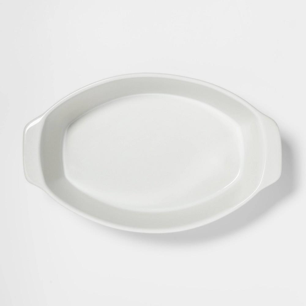Image of 2.5qt Oval Baker White - Threshold