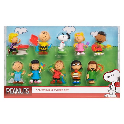 Peanuts Deluxe Figure Set - image 1 of 1