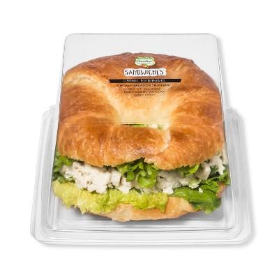 Fresh Garden Highway Signature Chicken Salad on Croissant Sandwich - 8oz