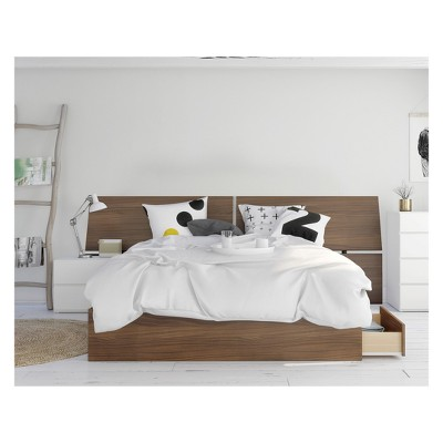 Oddense 3pc Bedroom Set Queen Walnut - Nexera