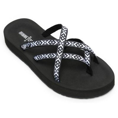 Minnetonka Women's Textile Hanna Thong Sandals