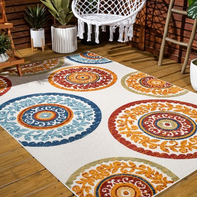Cassis Ornate Ogee Trellis High-Low Indoor/Outdoor Area Rug - JONATHAN Y