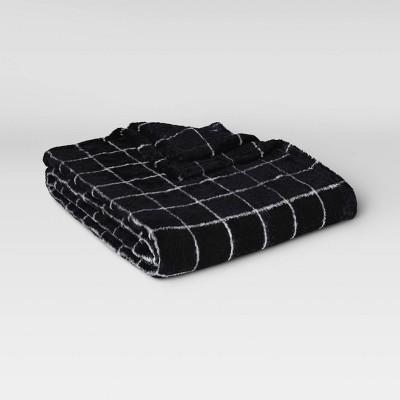 Plush Grid Throw Blanket Black/White - Room Essentials™